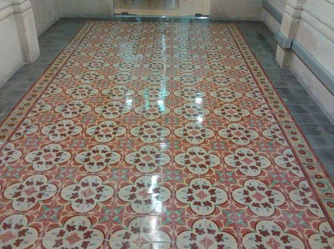 Vitrificado de mosaico o baldosa hidráulica en Alcudia, Palma de Mallorca