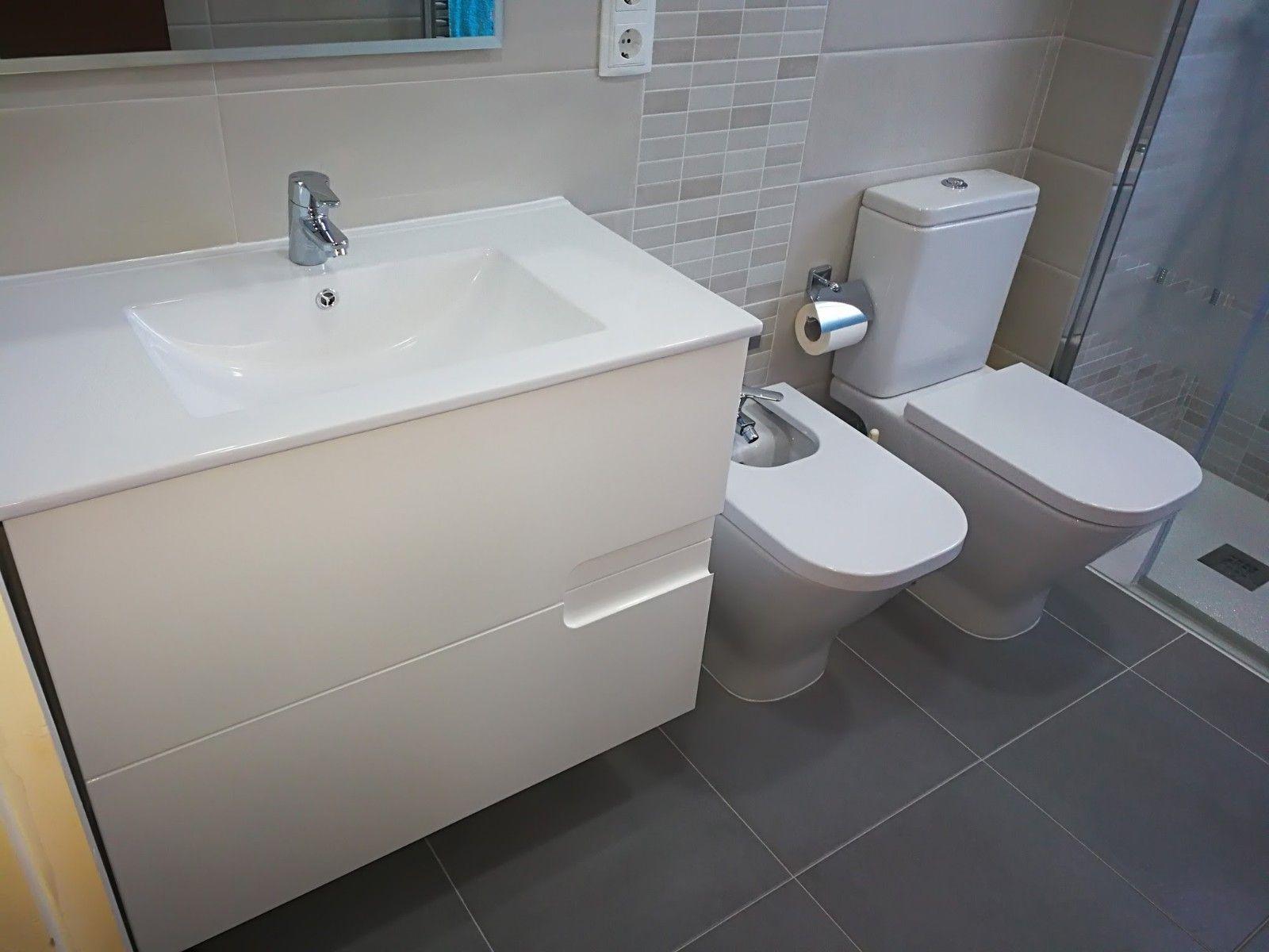 Instalación de muebles de baño de diseño en Barcelona