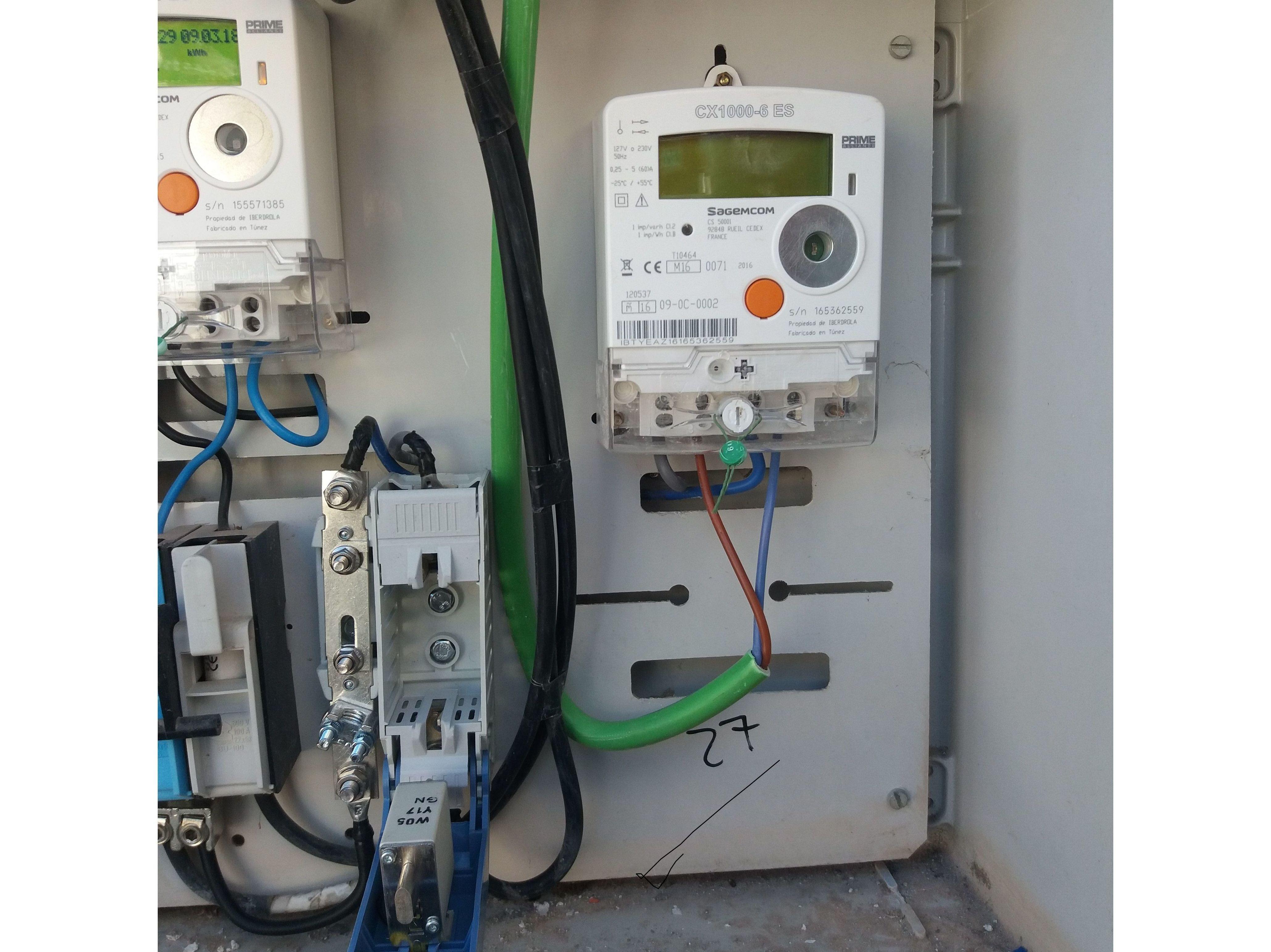Foto 1 de Instalaciones y reparaciones eléctricas en Paterna del Madera | Electromontajes Paterna del Madera