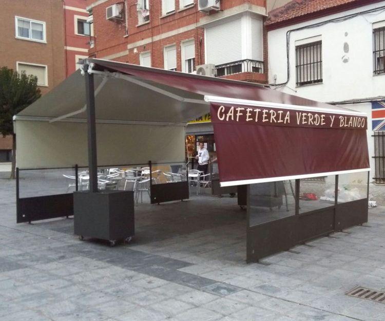 Portería a dos aguas de lona bicolor en Griñón, Madrid