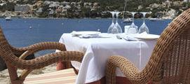 Restaurante con vistas al puerto