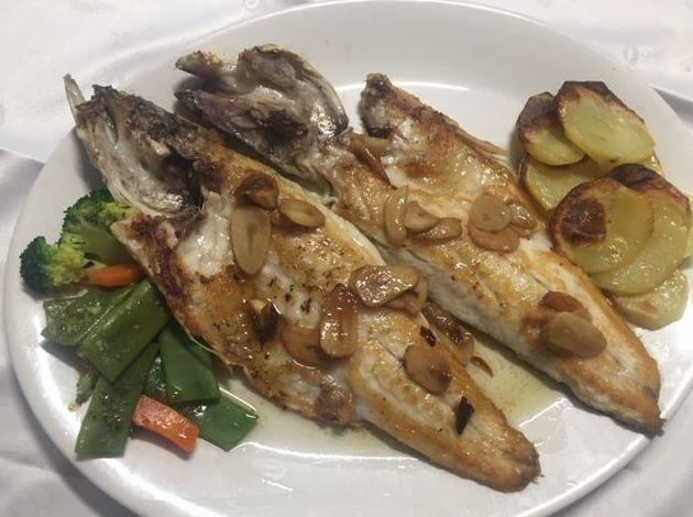 Carta de pescados con variedad de platos