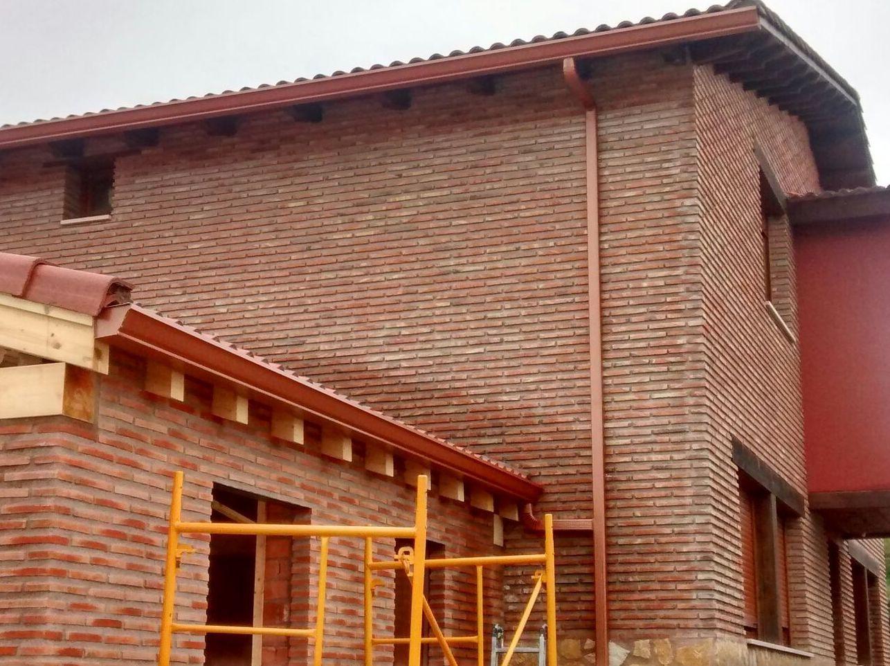 Foto 45 de Canalones en Santibáñez de Valcorba | Instalaciones Alonso