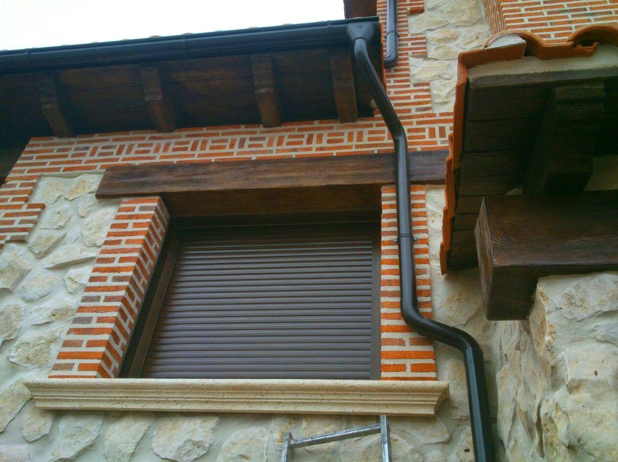 Foto 39 de Canalones en Santibáñez de Valcorba | Instalaciones Alonso