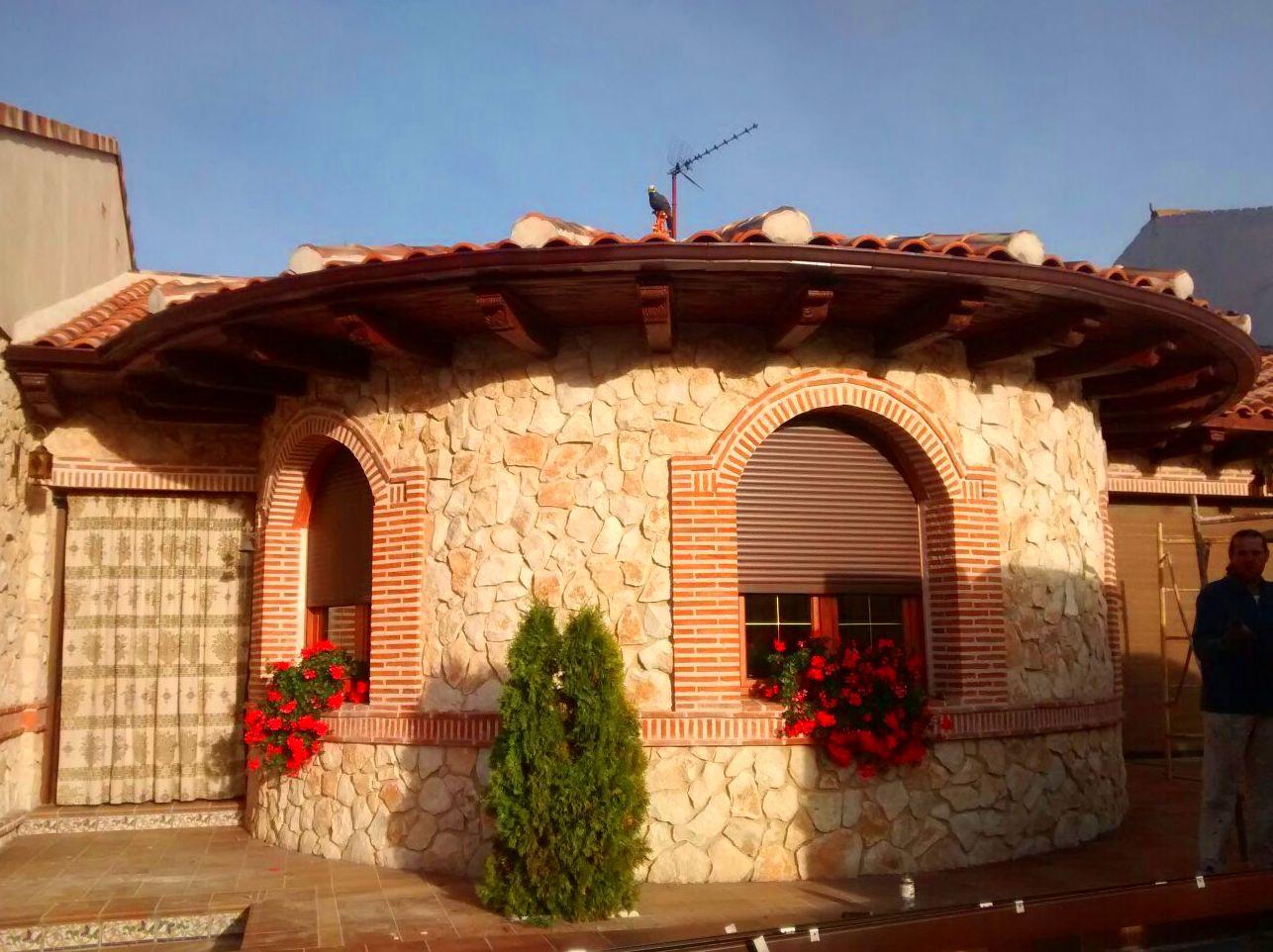Foto 3 de Canalones en Santibáñez de Valcorba | Instalaciones Alonso