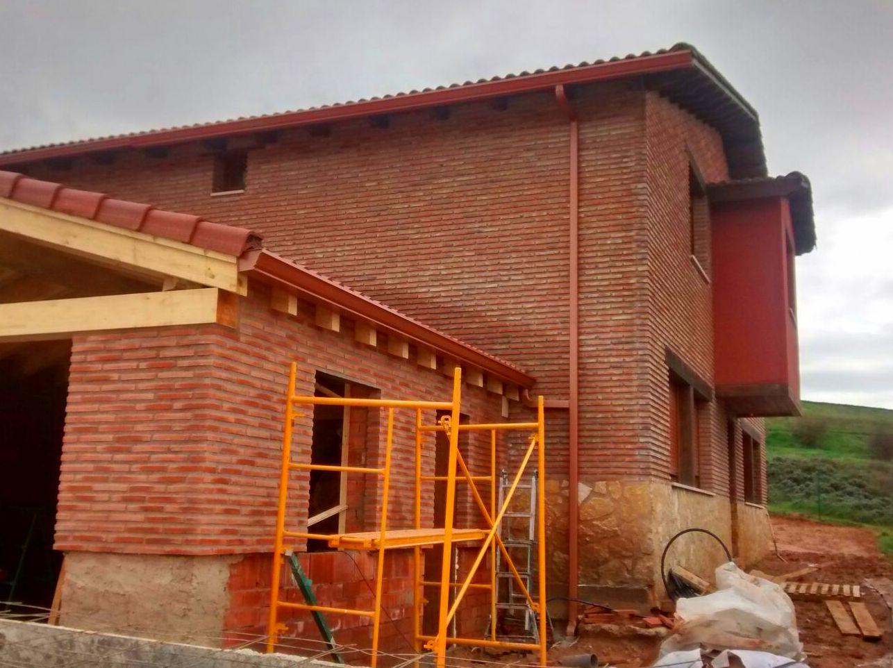 Foto 44 de Canalones en Santibáñez de Valcorba | Instalaciones Alonso