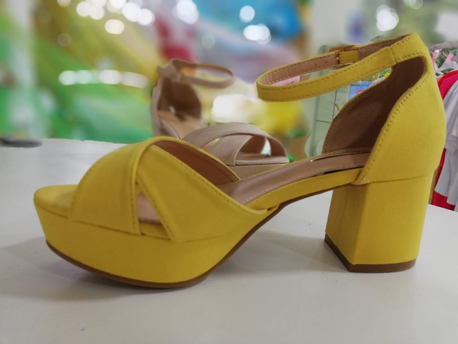 Tienda de calzado femenino en Jumilla