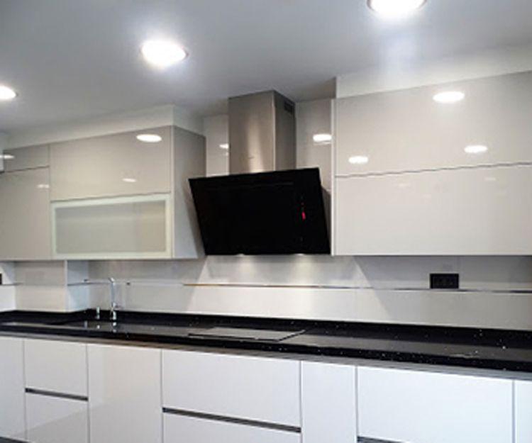 Montaje de muebles de cocina en Erandio