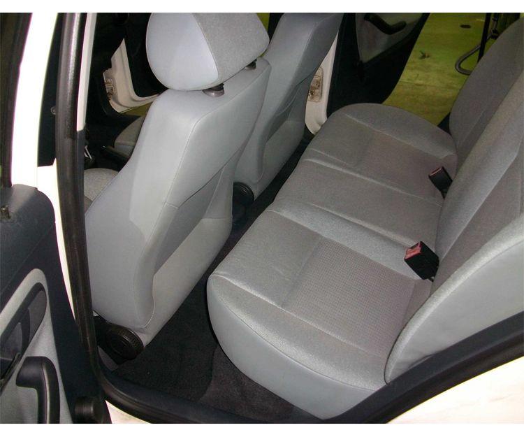 Servicio de limpieza de tapicería del automóvil (después)