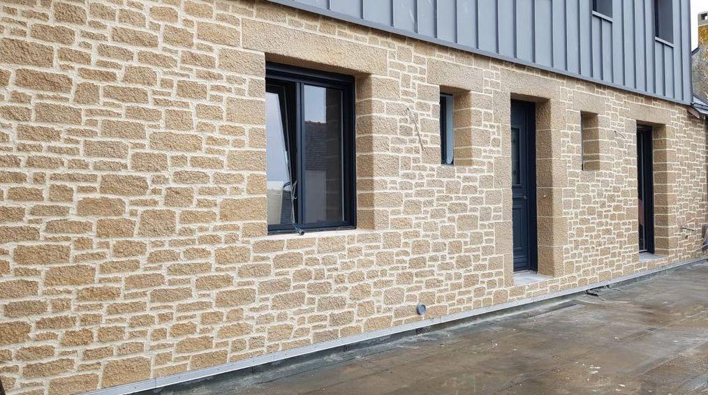 Revestimientos exteriores imitación piedra en Zaragoza