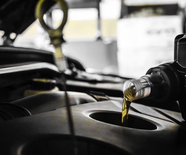 Venta y distribución de aceites para automoción en Pozoblanco, Córdoba
