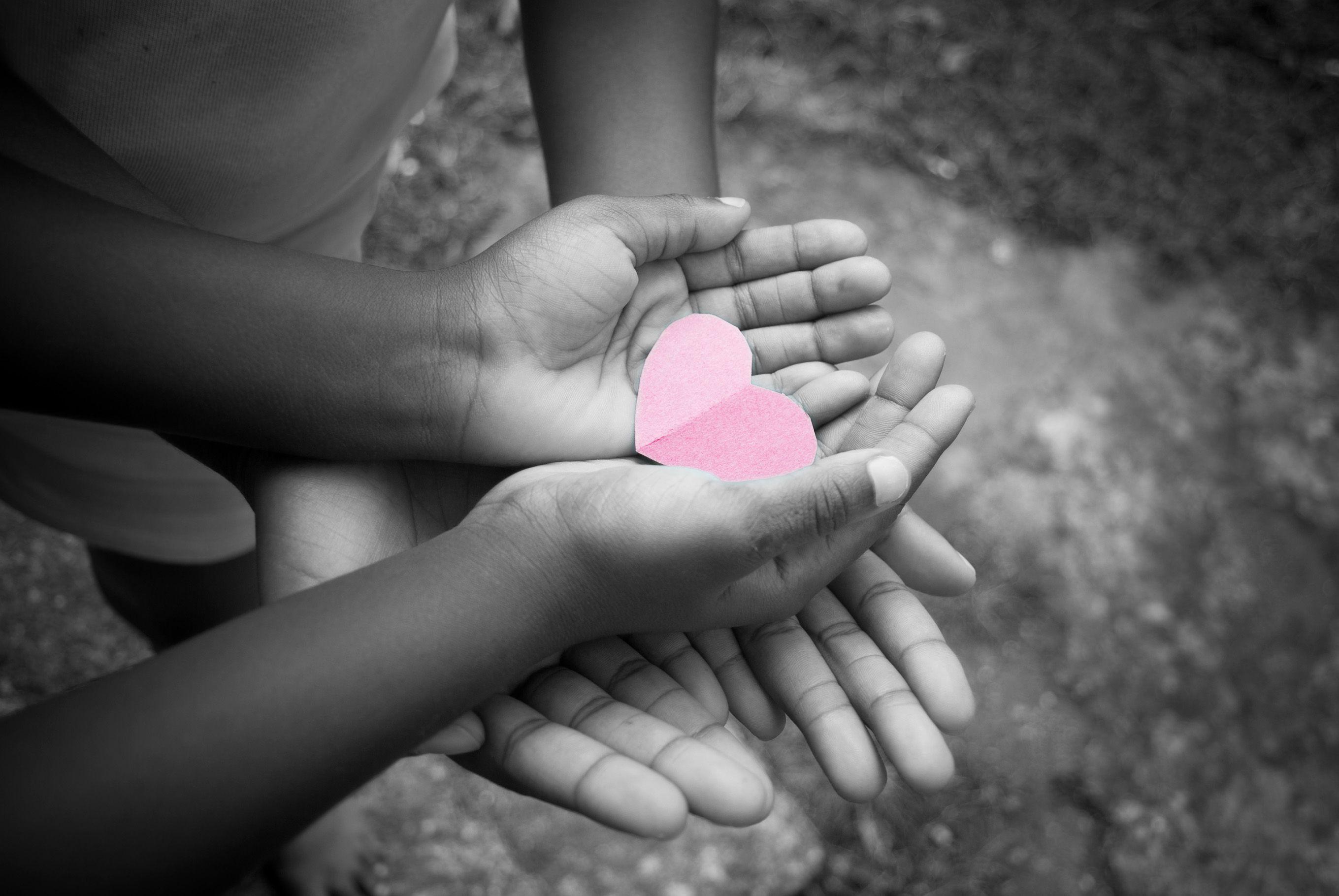 Campañas de sensibilización : Ser una entidad con corazón  de Empresas con Corazón.                Cáritas Diocesana de Pamplona-Tudela