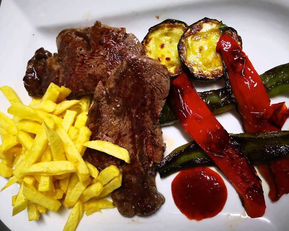 Carnes gallegas y verduras a la plancha