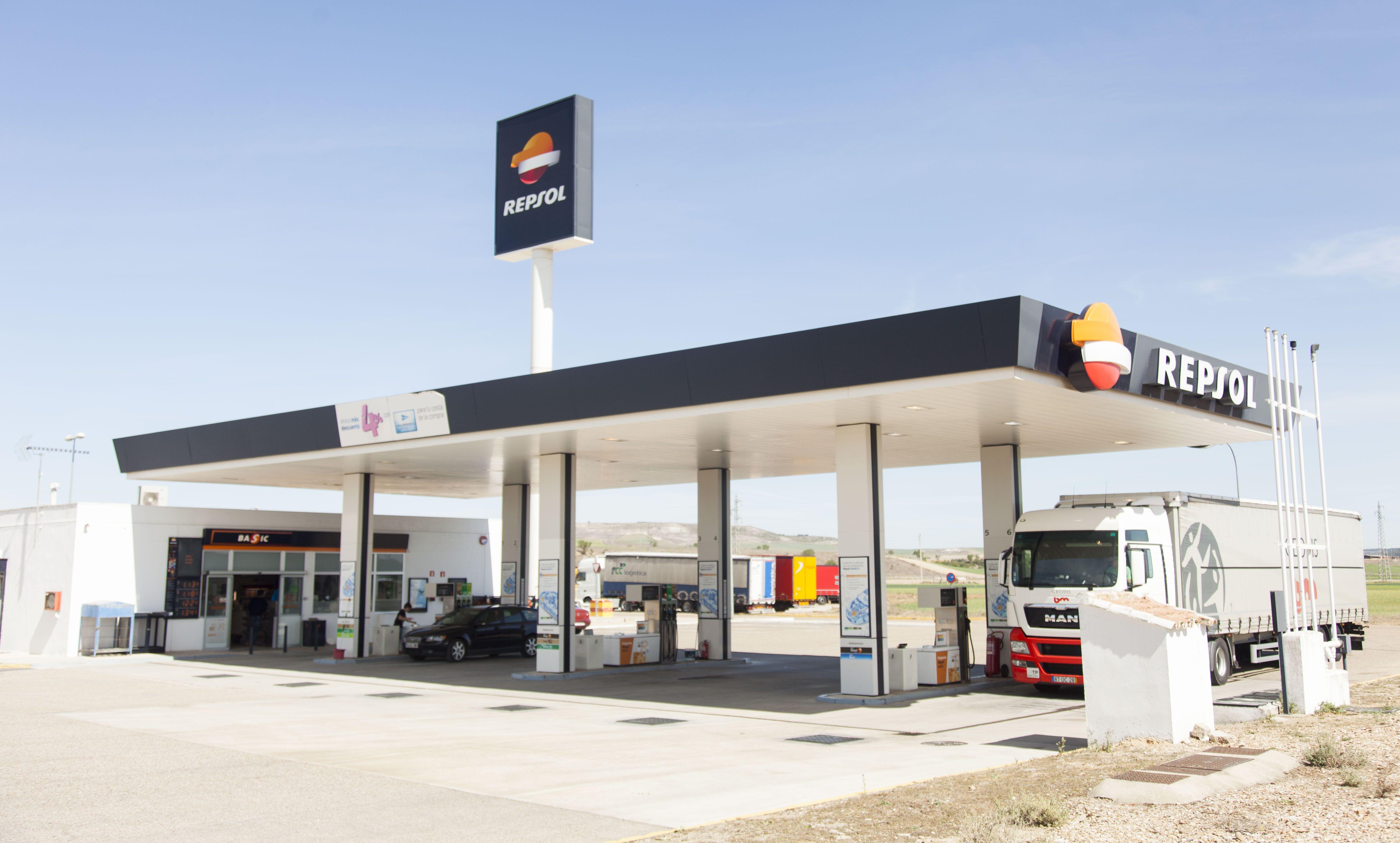 Gasolinera en Dueñas, Palencia