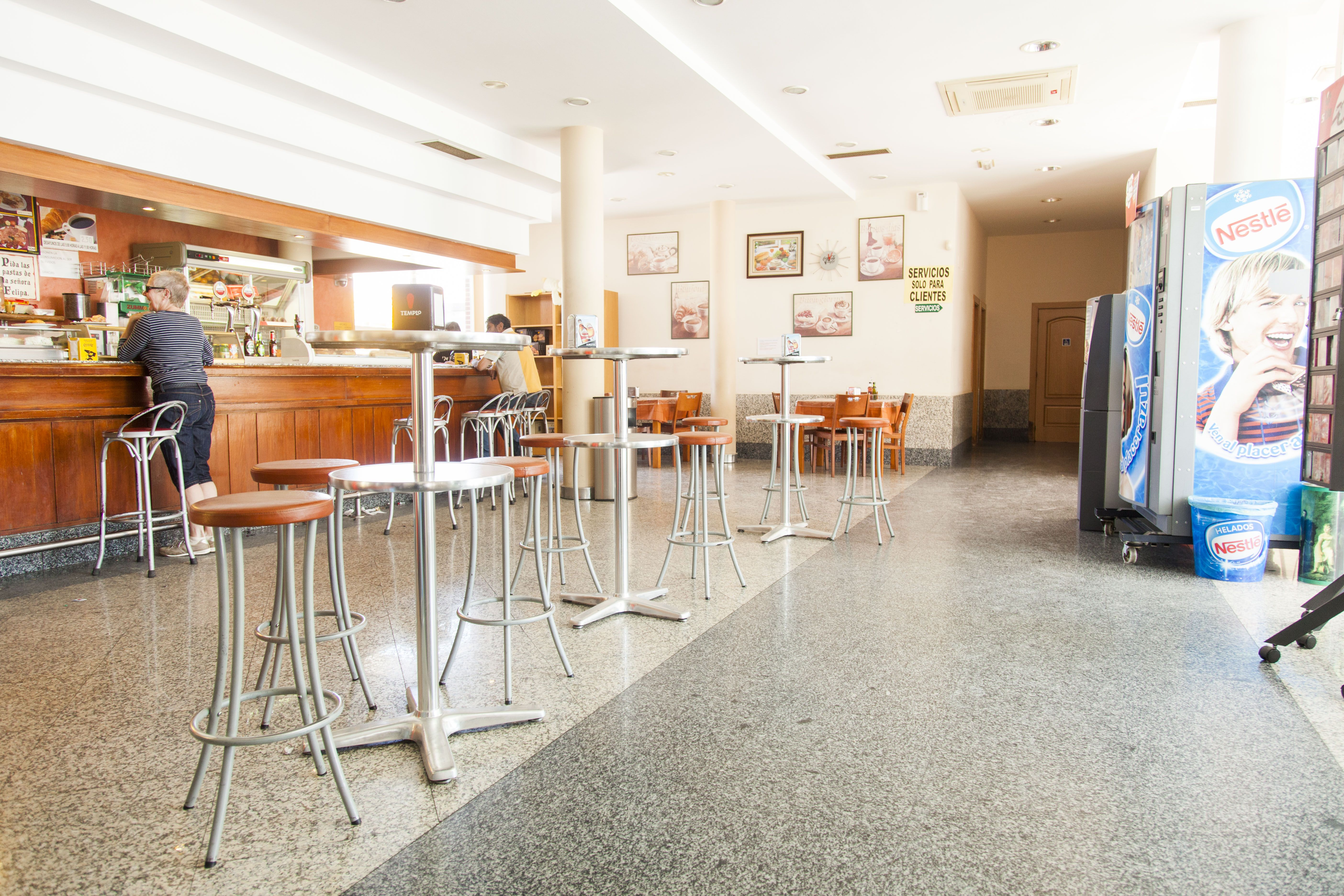 Cafetería restaurante en Dueñas