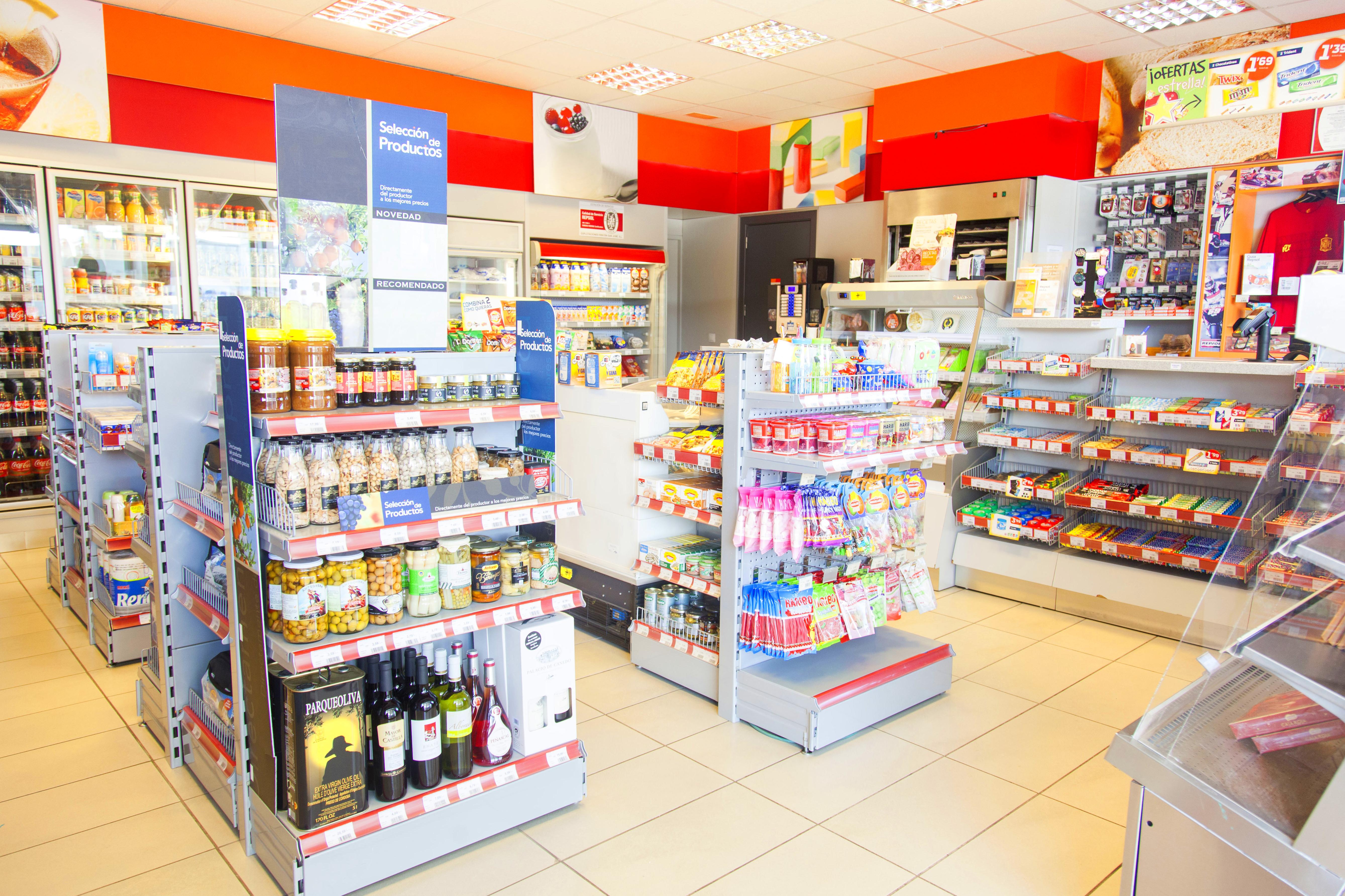 Tienda del Área de Servicio La Chamorra, Dueñas, Palencia