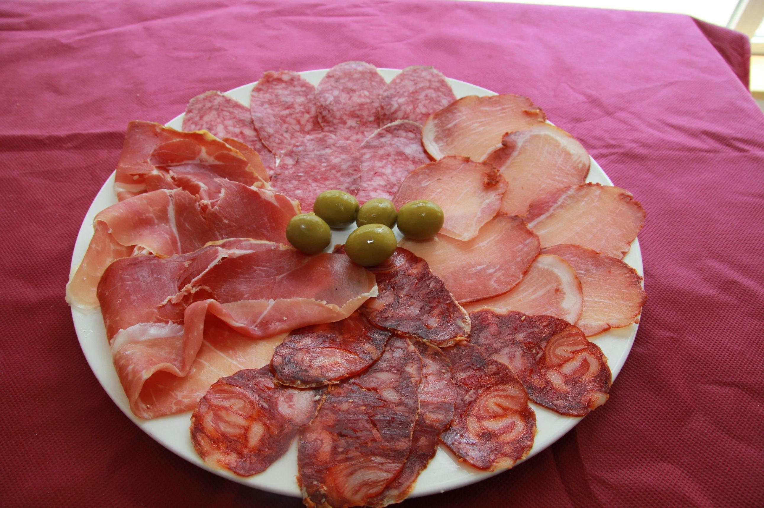 Foto 37 de Restaurantes en Dueñas | Estación de Servicio La Chamorra