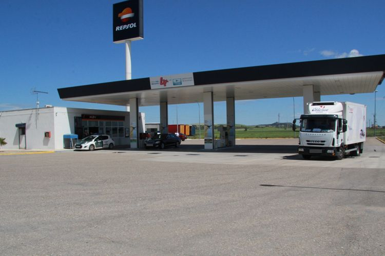 Estación de servicio en Dueñas (Palencia)