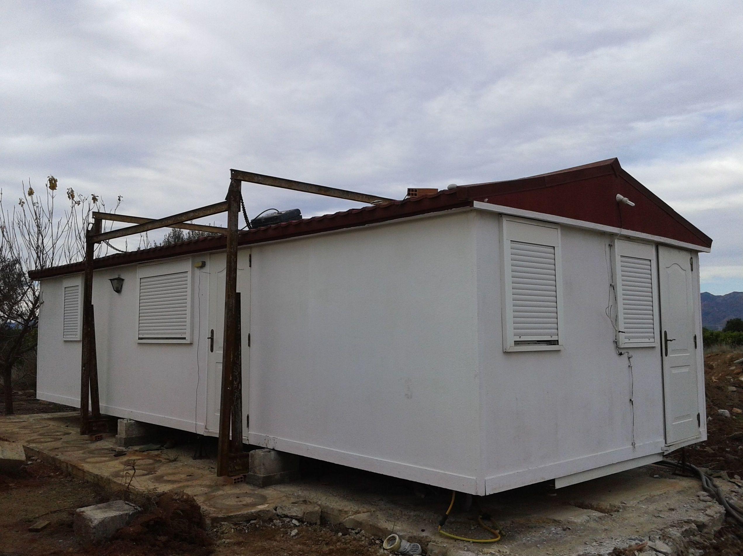 se vende casa prefabricada ,2 habitaciones, 1 baño, 1salon,  11×4metros!!