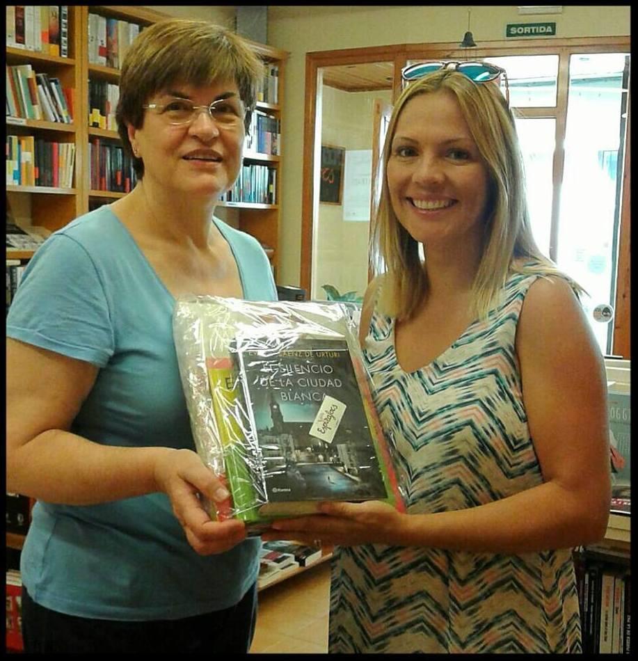 Sorteo de libros a traves de facebook en Llibrería Espirafoc