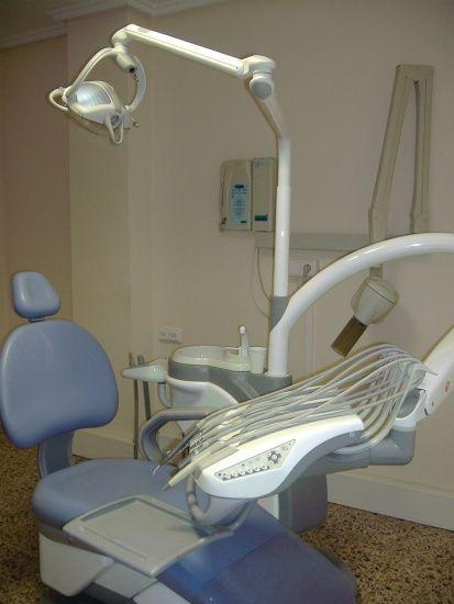 Foto 13 de Clínicas dentales en Valencia | Centro de Salud Dental FamilDent