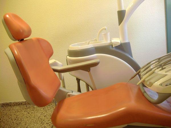 Foto 14 de Clínicas dentales en Valencia | Centro de Salud Dental FamilDent