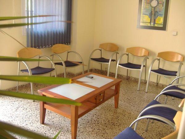 Foto 15 de Clínicas dentales en Valencia | Centro de Salud Dental FamilDent