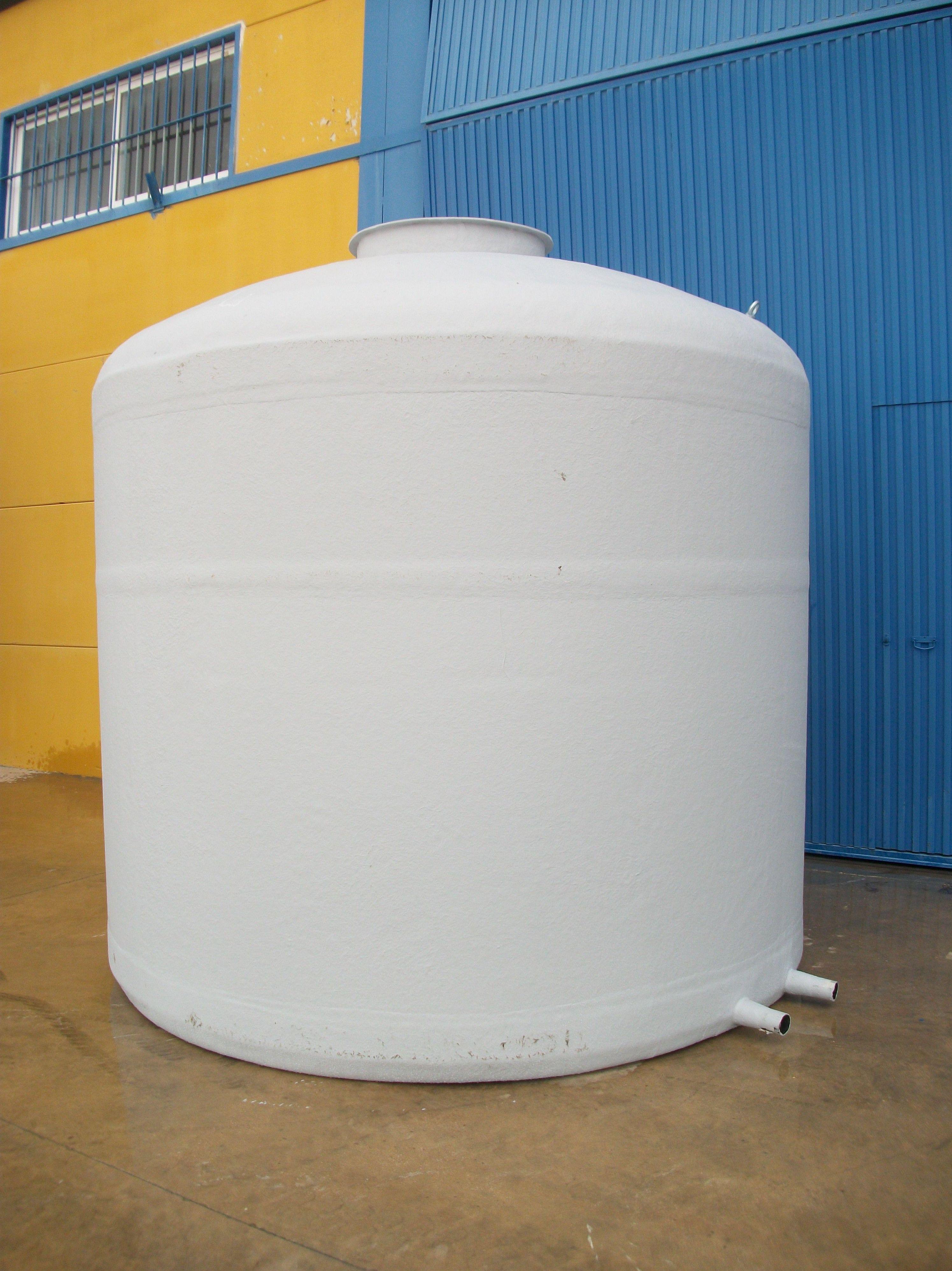 Depósito vertical fondo plano: Catálogo de productos de Poliéster La Zarzuela