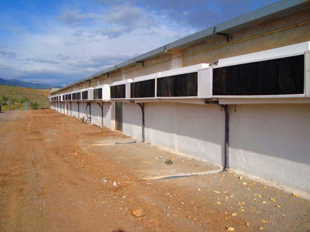 Expertos en refrigeración de granjas - HUMIBAT - Refrigeración Evaporativa Plástico