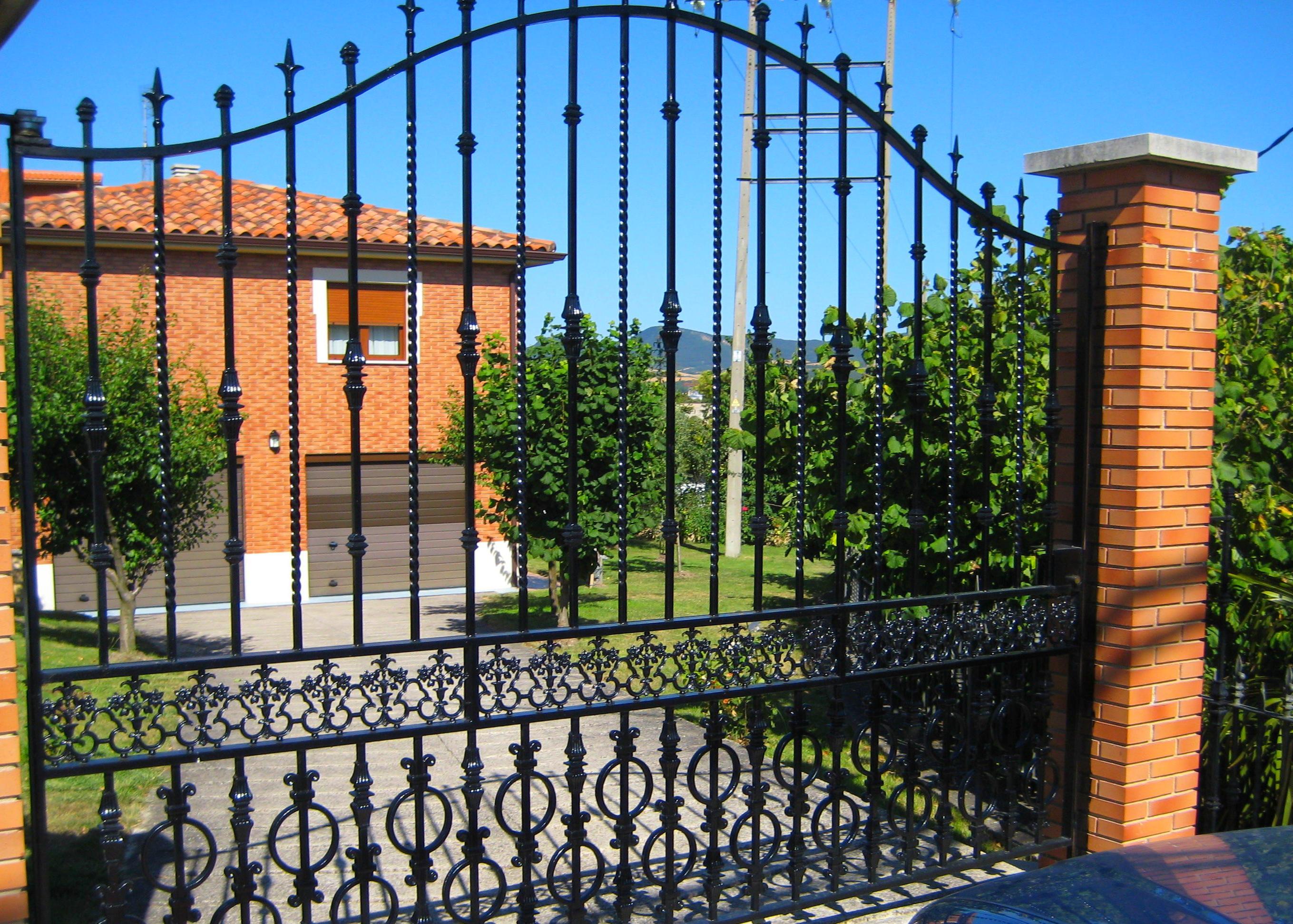 Foto 2 de Carpintería metálica y herrería en Vitoria-Gasteiz | Talleres Sabarte
