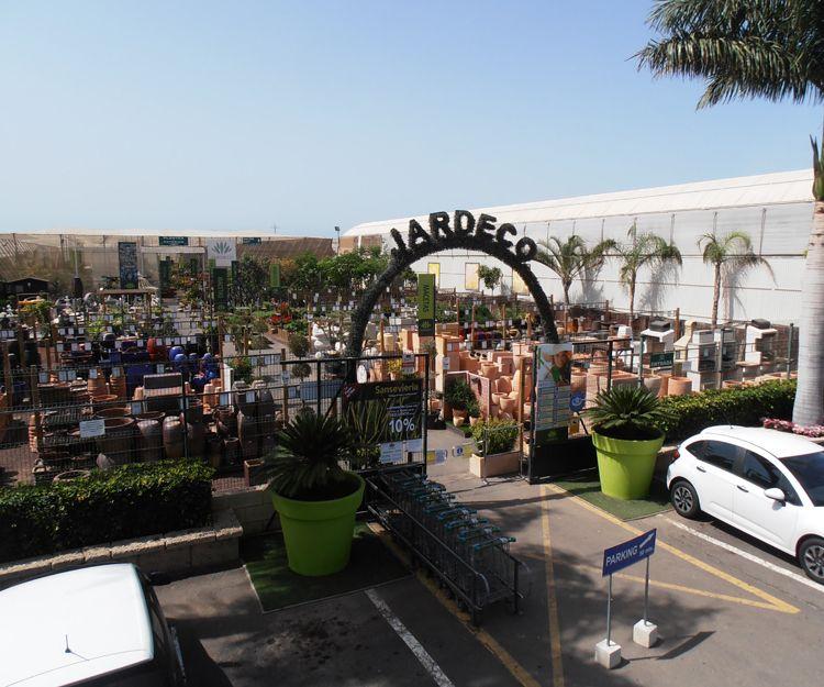 Entrada a nuestro centro de jardinería en Tenerife