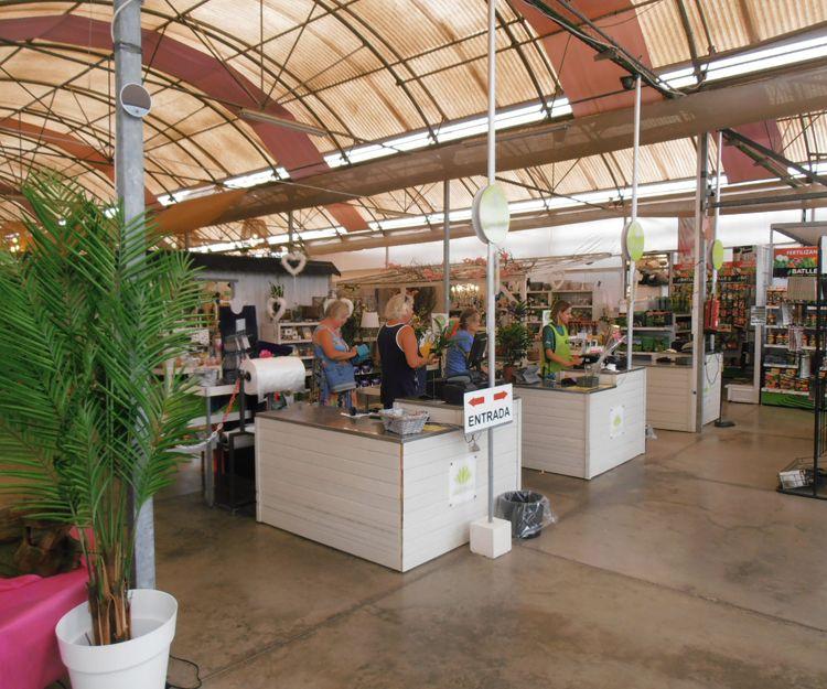 Entrada al centro de jardinería en Tenerife