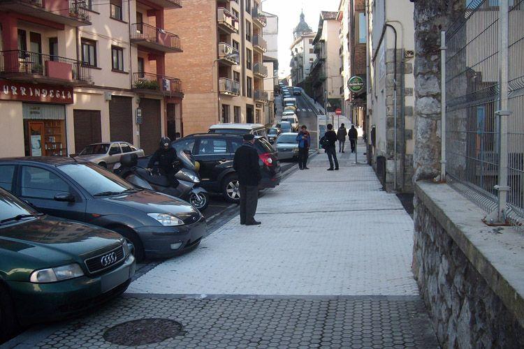 Instalación de productos antideslizantes calles