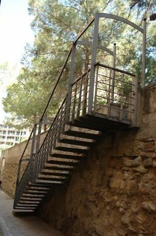 Realización de escalera metálica