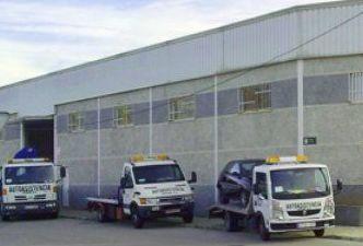 Traslado de vehículos: Servicios de AUTOASISTENCIA CESAR S.L.
