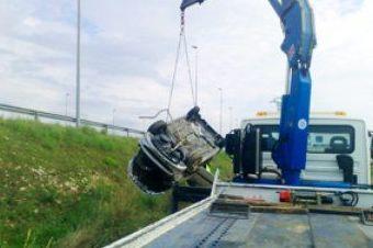 Servicio de grúa pluma para rescate: Servicios de AUTOASISTENCIA CESAR S.L.