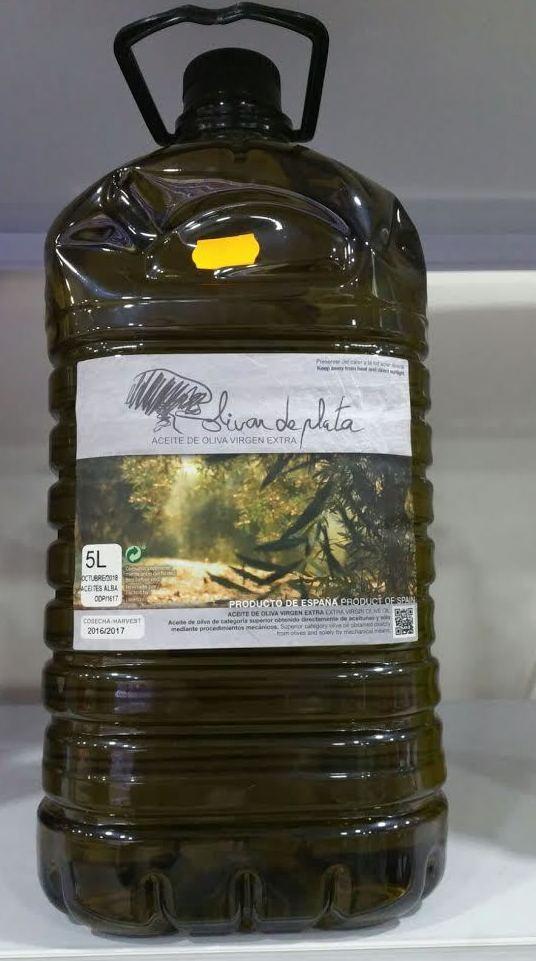 Charcutería Mendoza, aceite de oliva en Villacarrillo (Jaén)
