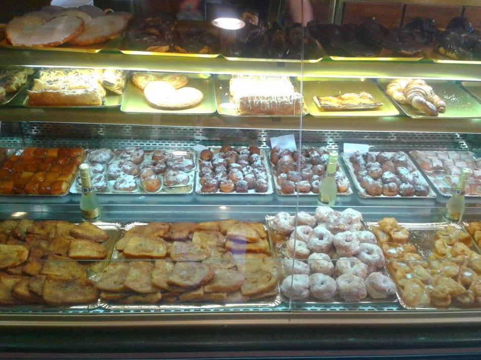 Una muestra de nuestra variedad de productos de Semana Santa