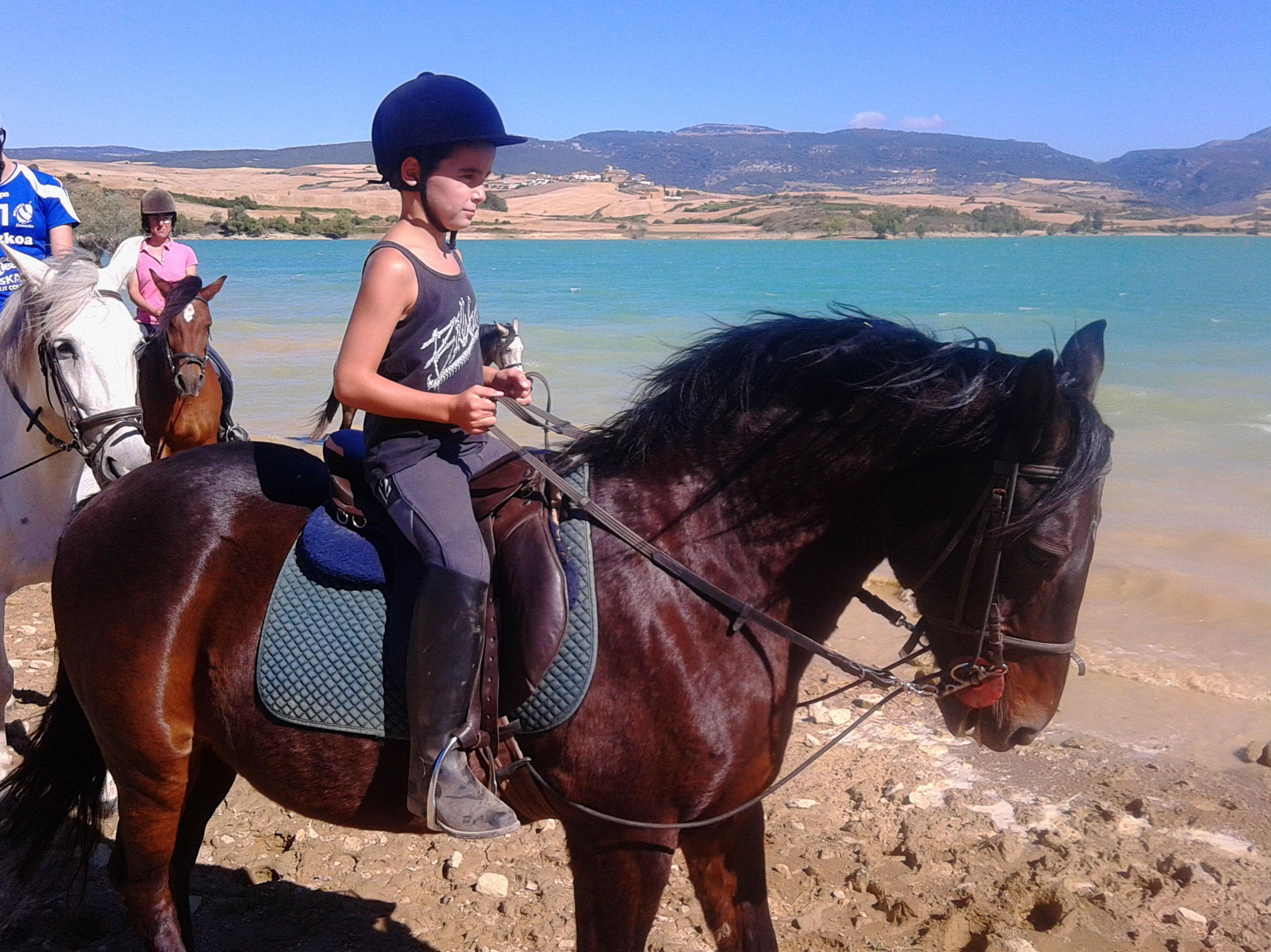 Foto 20 de Centro de equitación y equinoterapia en Labiano | Centro de Equitación y Equinoterapia Biki Blasco