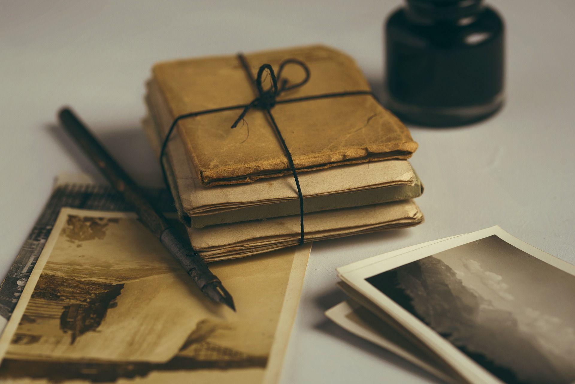Plumas y libros antiguos