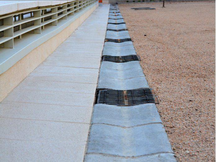 Bordillos encauzamiento de agua: Productos de Prefabricados Ponce