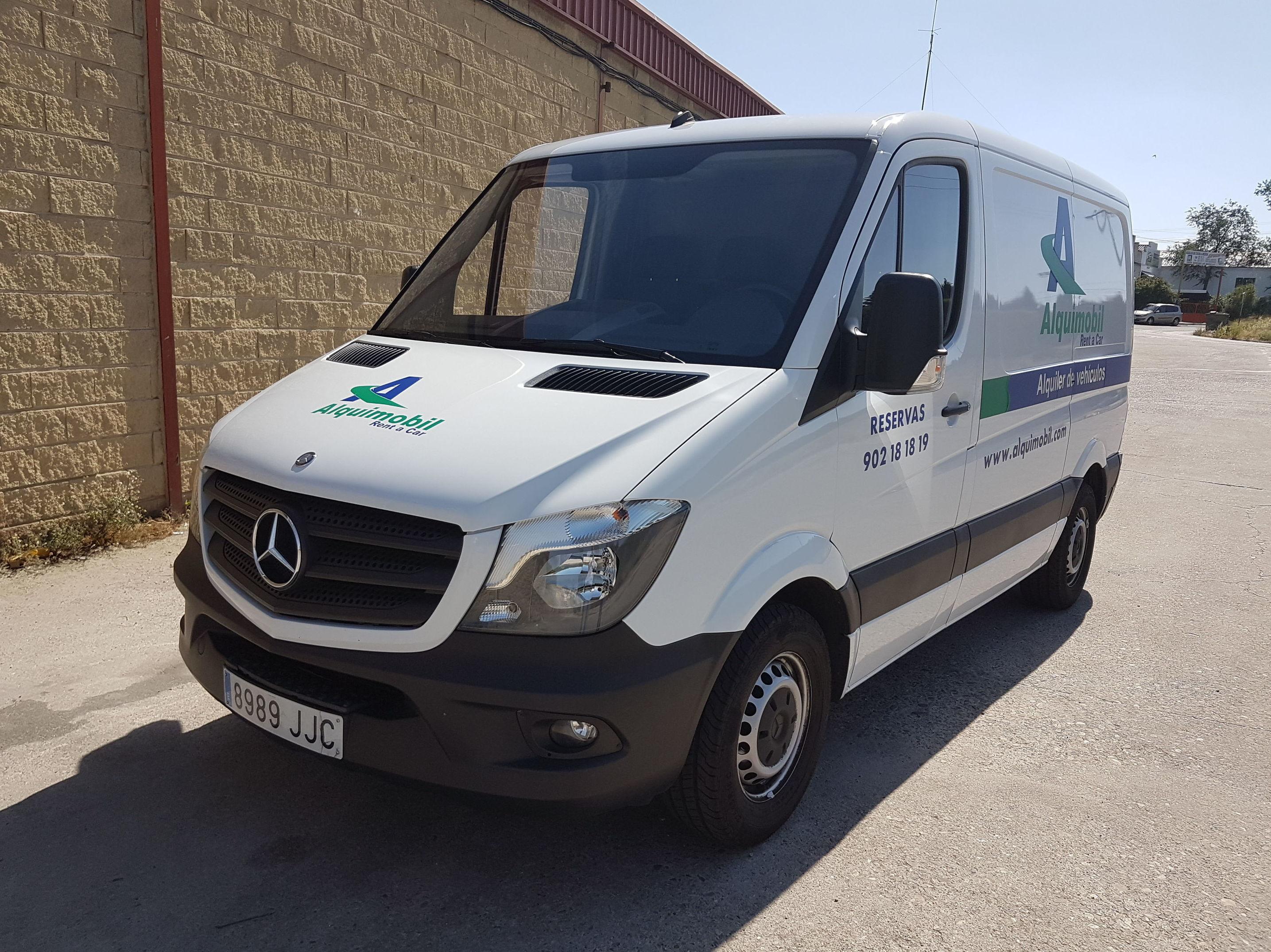 Alquiler de furgonetas y camiones: Servicios de Alquimobil