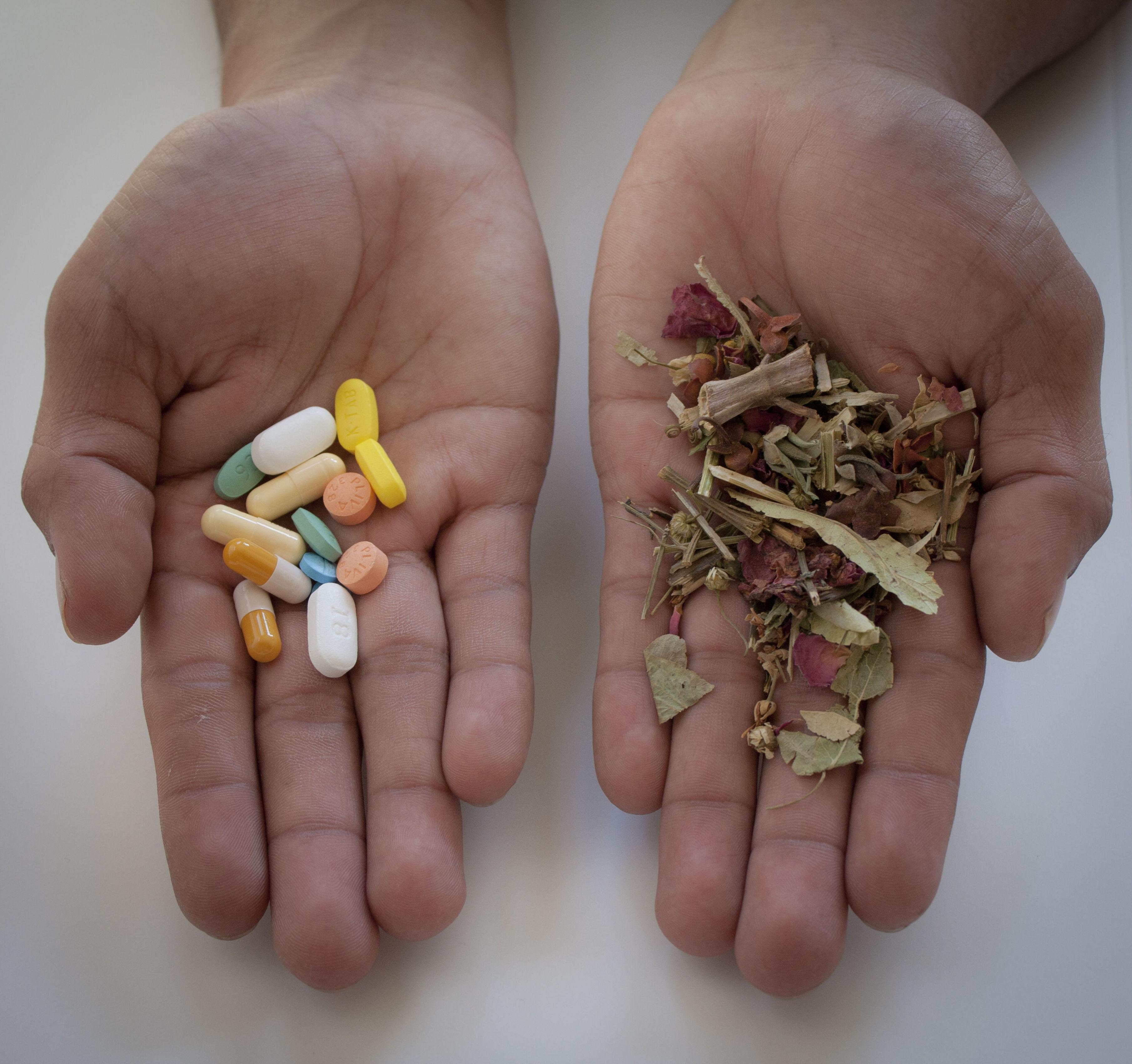 MEDICINAS TRADICIONALES, ALTERNATIVAS O ALOPÁTICAS ¿Con cual nos quedamos? ¿Por qué no todas?