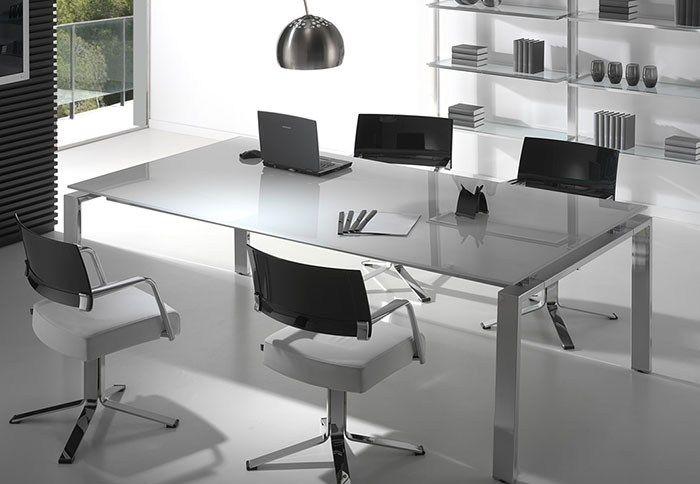 ¿Necesitas mobiliario para acondicionar tu oficina?