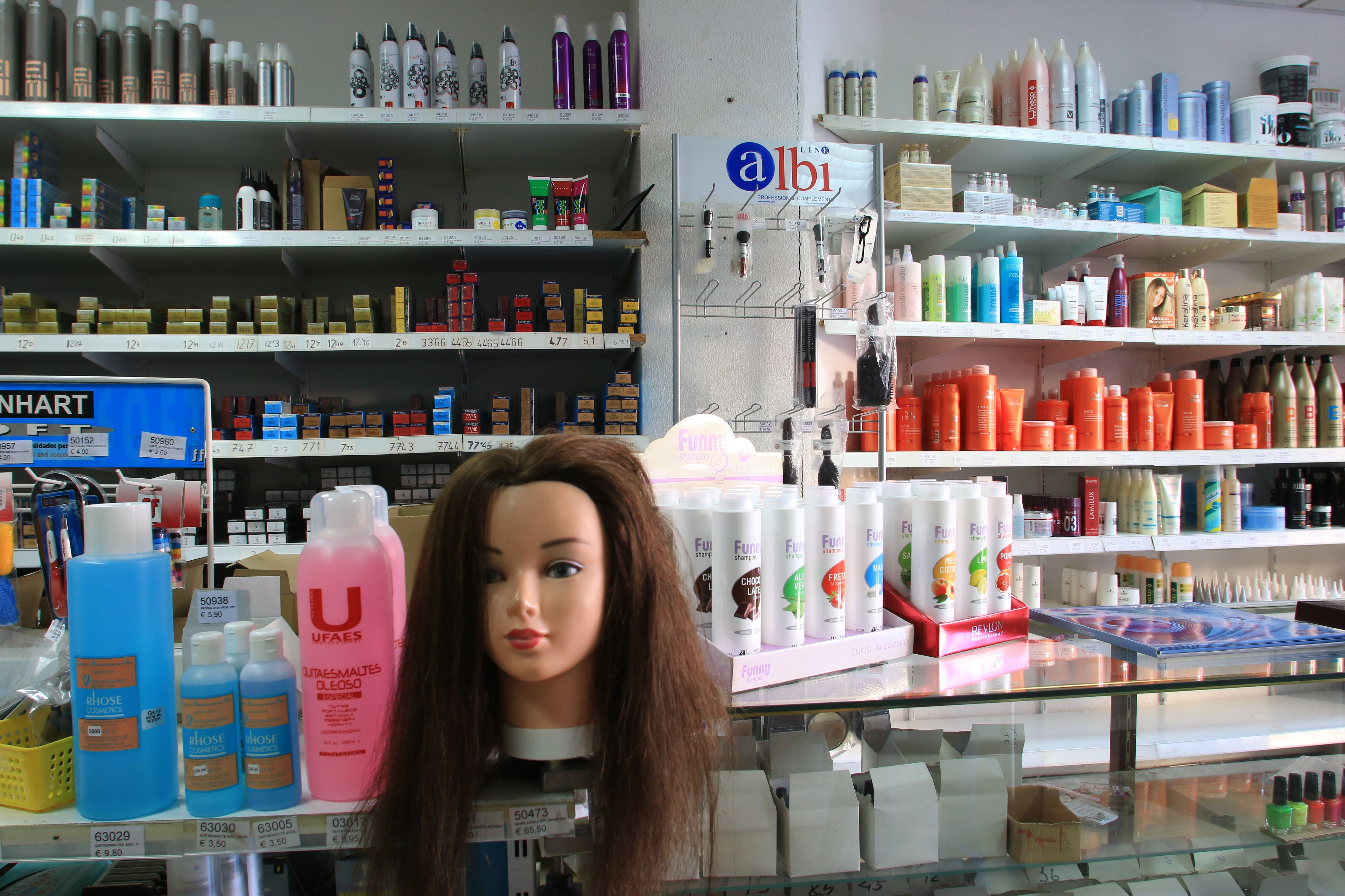 Foto 5 de Suministros para peluquerías en Palma de Mallorca | Distribuciones Porcel