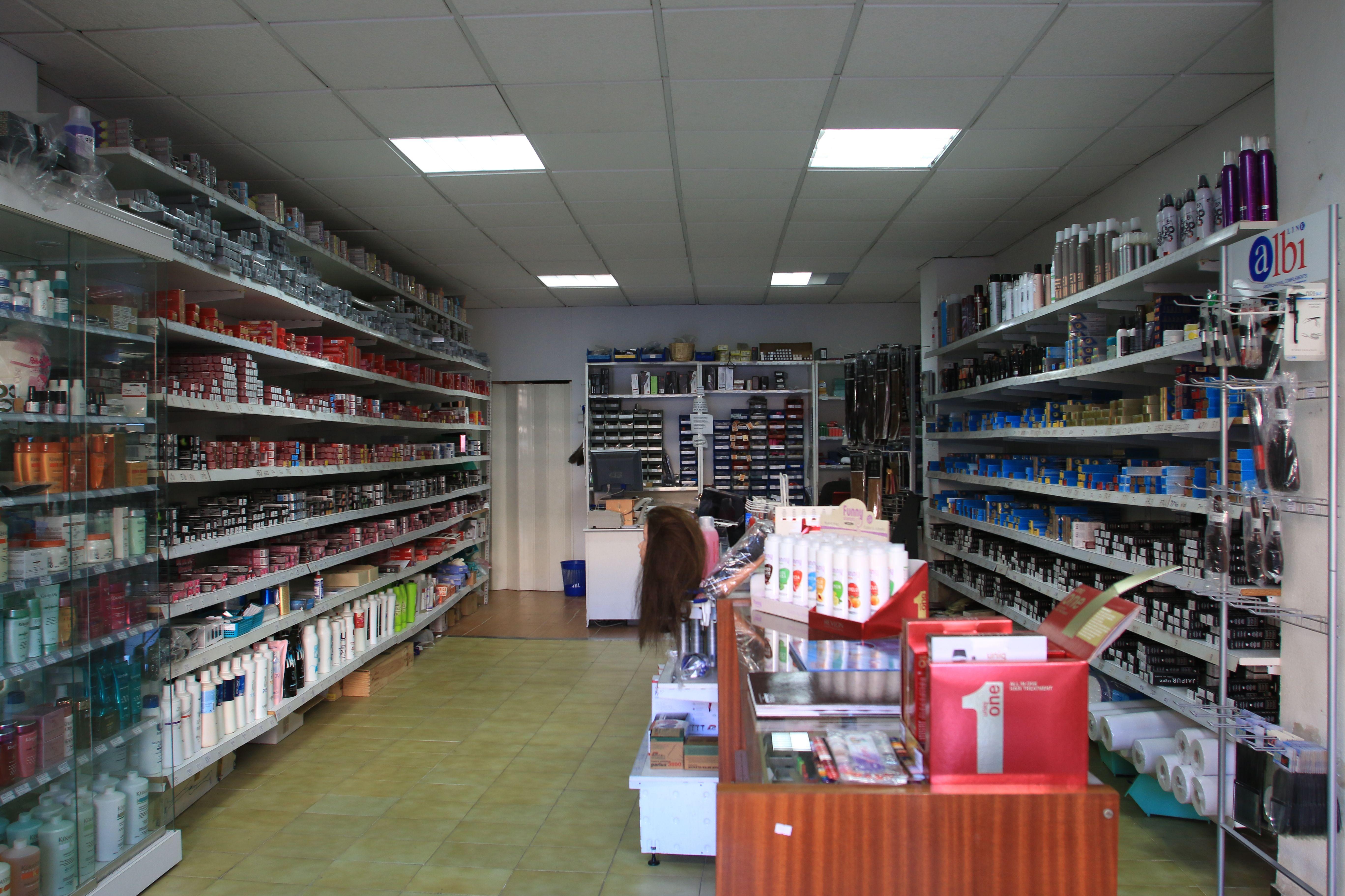Foto 2 de Suministros para peluquerías en  | Distribuciones Porcel