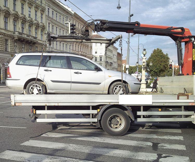 Grúa para traslado de vehículos en Jaén
