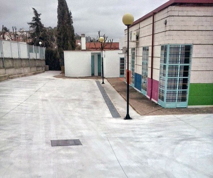 Pavimentos de hormigón desactivado en Badajoz