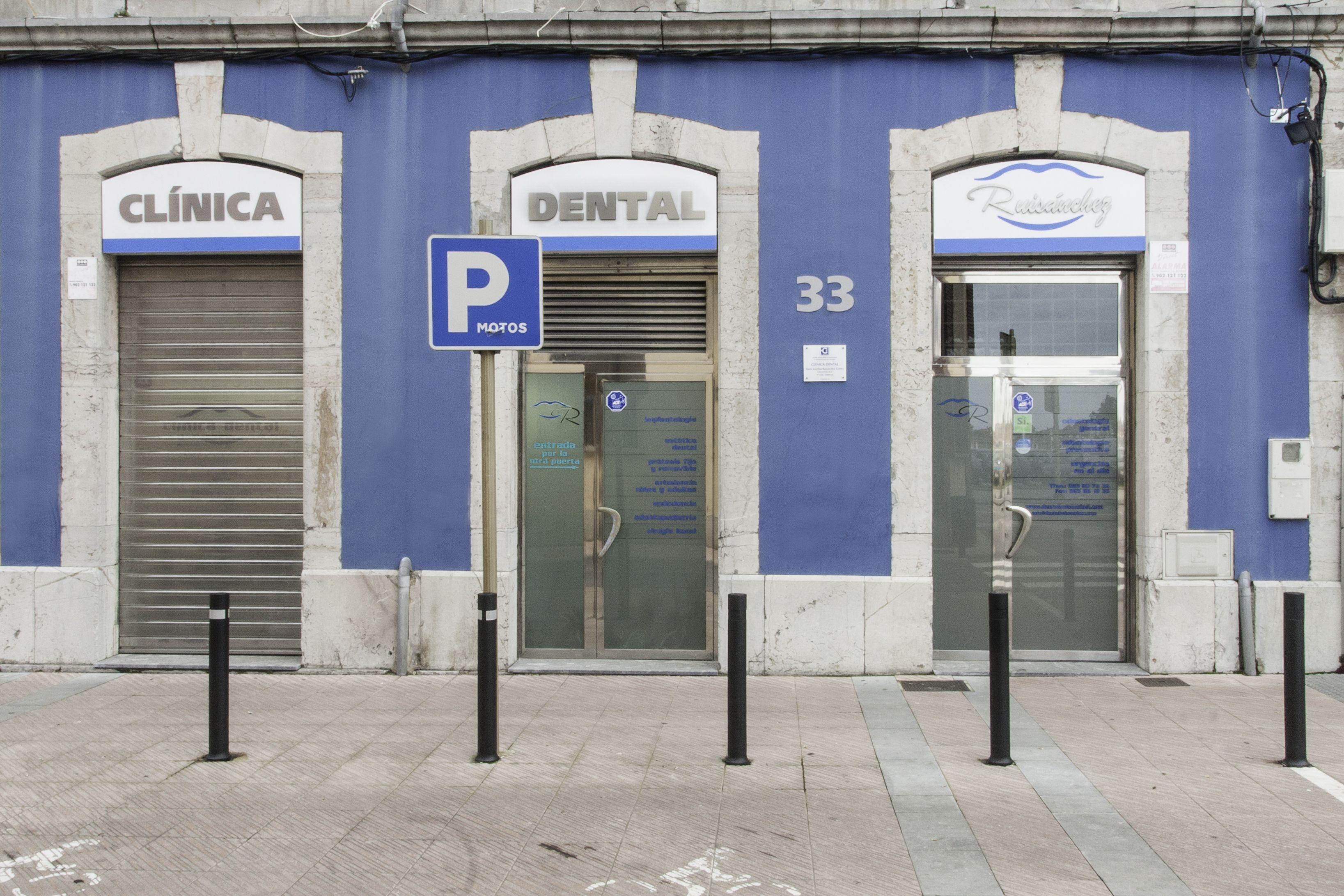 Foto 2 de Clínicas en Gijón | Clínica Dental Cuesta y Ruisánchez, S.L.