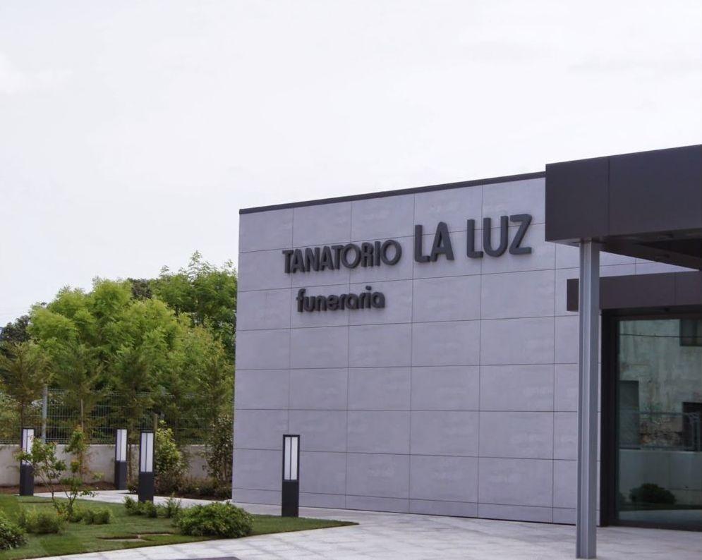 Tanatorio de la Luz: Servicios de Funeraria La Montañesa, S.L.